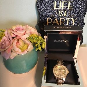 Bebe watch gold new really cute